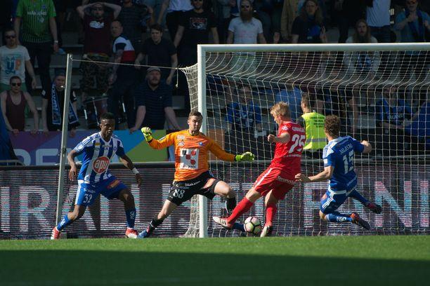 Mikko Kuningas laukoi Interin Suomen cupin voittoon.