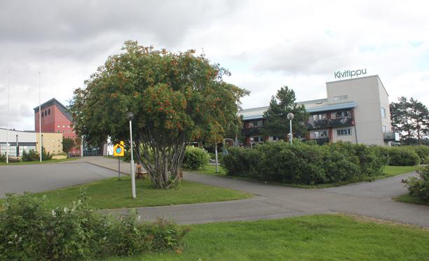 Vastaanottokeskuksena toimivan Kivitipun asukkaisiin liittyvät asiat ovat kasvattaneet Lappajärven kunnanhallituksen ja –valtuuston eripuraa.