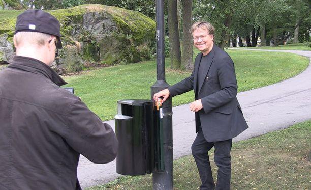 Apulaiskaupunginjohtaja uskoo, että Hesperian rantapuistoon ilmestyneet panttiparkit otetaan hyvin vastaan.
