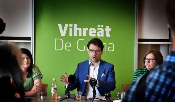 Jos vihreiden puheenjohtaja Ville Niinistö olisi demarien puheenjohtaja, olisi puoluetta äänestänyt vähintään 25 prosenttia äänestäjistä.
