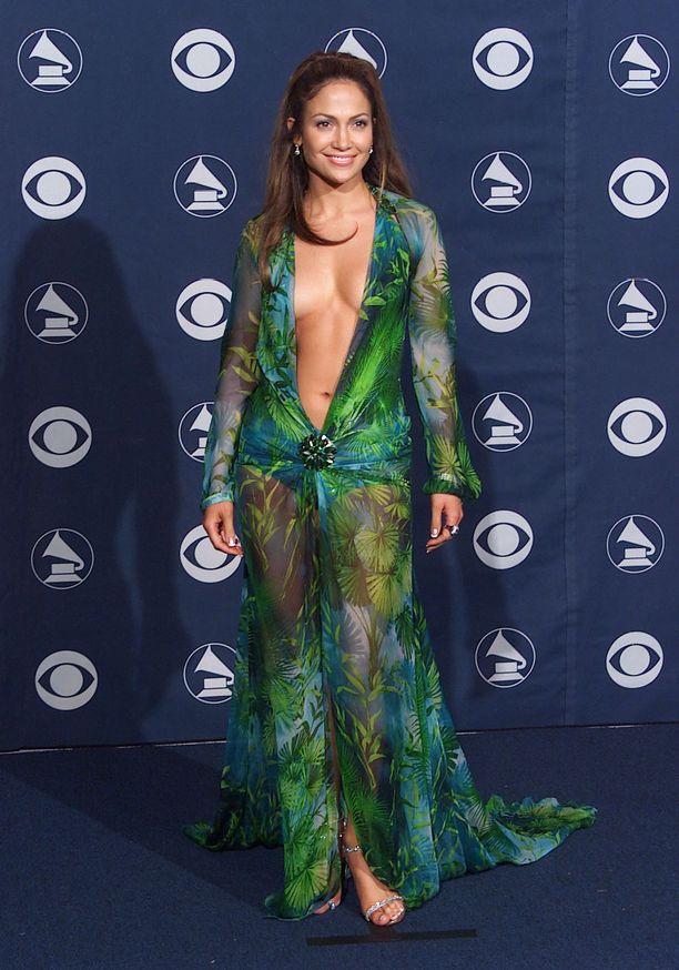 Versaceen verhoutunut Jennifer Lopez Grammy-gaalassa vuonna 2000.