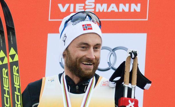 Petter Northug yrittää parittaa hiihtokaveriaan.