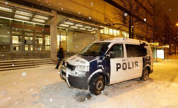 Äärioikeisto Suomessa -kirjan julkistamistilaisuus päättyi puukotukseen tammikuussa 2013.