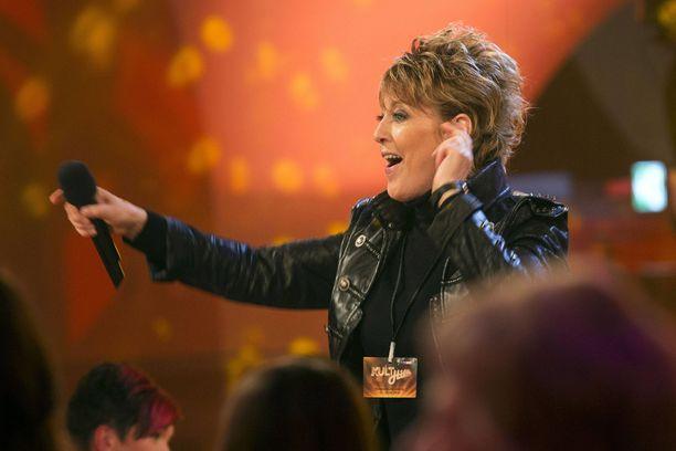 Katrina Leskanich tunnetaan muun muassa Katrina & The Waves -yhtyeensä vuoden 1997 euroviisuvoitosta. Nykyään nainen keikkailee sooloartistina.