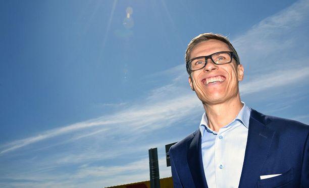 Katainen kannattaa pestiin Euroopan investointipankin varapääjohtajana toimivaa Alexander Stubbia, jolle hän on jo kertonut omasta päätöksestään, kuten myös Orpolle.