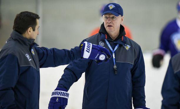 Kari Jalonen ja Ville Peltonen siirtyvät Bernin valmennusjohtoon.