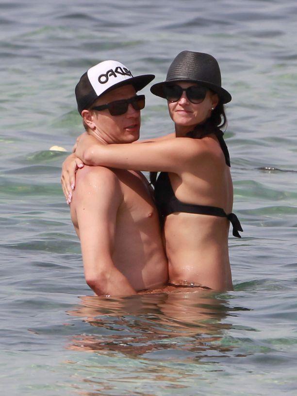 Kimi ja Minttu ikuistettiin viime viikolla lämpimissä tunnelmissa Formenteran rannalta.