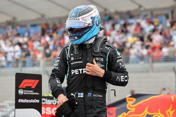 Valtteri Bottas palasi session jälkeisiin haastatteluihin.