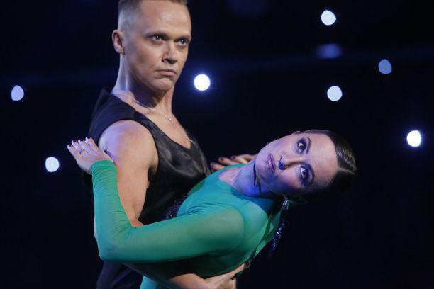 Marko Keräsen ja Jaana Pelkosen tanssit on tanssittu.