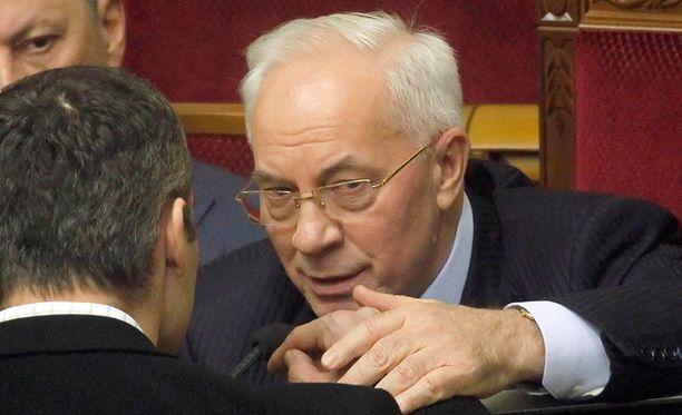 Mykola Azarov on ehdottanut mielenosoittajille neuvotteluja.