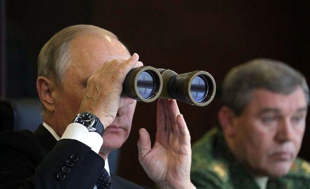 Presidentti Vladimir Putinia odotetaan seuraamaan harjoituksia kuten viime syksyn Zapadia.