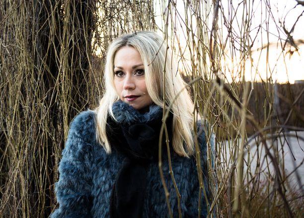 Anna Eriksson julkaisi viime vuonna Gloria-joululevyn. Kuva marraskuulta 2015.