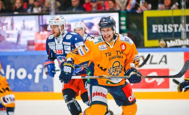 Ville Nieminen kiusaa tänäänkin entisiä joukkuekavereitaan.