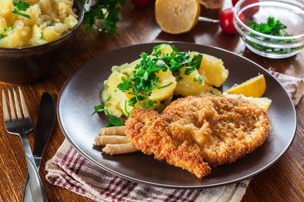 Kari Aihinen suunnitteli Neste-huoltoasemille menun, jonka yksi ruokalaji on rapea leike.