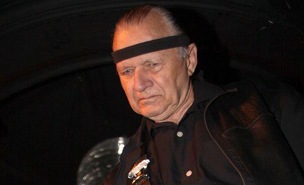 Surffikitaran kuninkaaksi kutsuttu kitaristi Dick Dale on kuollut.