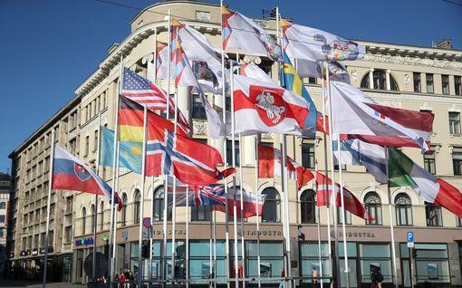 Selkkaus MM-kisoissa – Valko-Venäjän virallinen lippu poistettiin tangosta