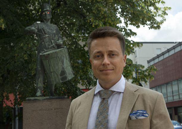 Atte Kalevan mielestä kokoomuksen pitäisi tehdä enemmän yhteistyötä perussuomalaisten kanssa.