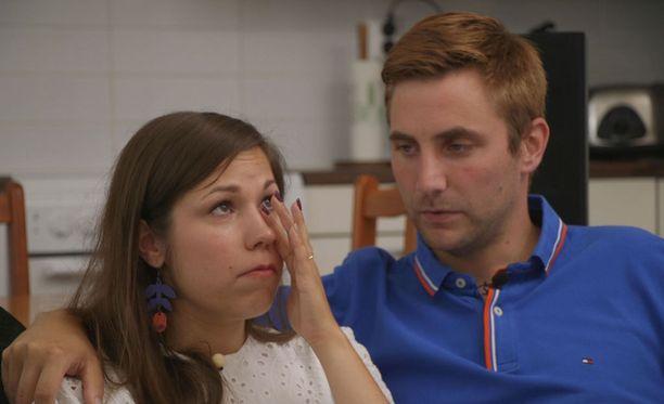 Heidi ja Mikko kertovat suhteen muuttuneen arjen alettua.