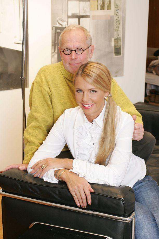 Aviopari asuu nykyisin eri maissa, Saagim Virossa ja Ratia Suomessa. Kuva vuodelta 2006.