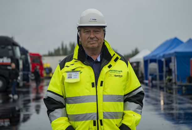 Timo Pohjola oli tyytyväinen, kun MotoGP-testit päästiin vihdoin ajamaan Suomessa.