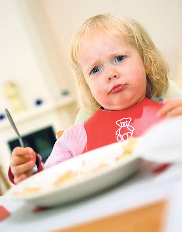YÄK! Lapsi kokeilee varmasti vanhempiensa johdonmukaisuutta.