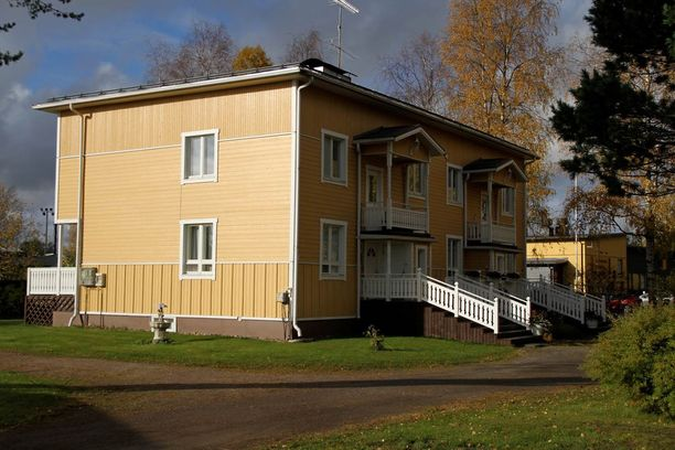 Tämä talo kätkee sisälleen ritarilinnan.