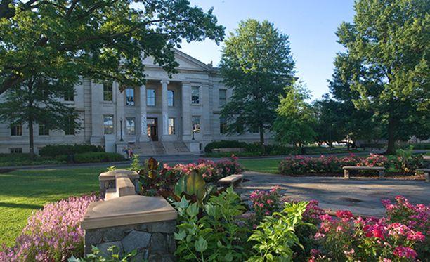 American University on yksityinen yliopisto Yhdysvalloissa.