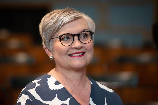 Anu Vehviläinen on uusi eduskunnan puhemies.