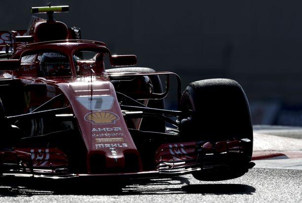 Kimi Räikkönen ajoi Abu Dhabissa viimeistä kertaa Ferraria. Ensi kaudella suomalainen vaihtaa Sauberille.