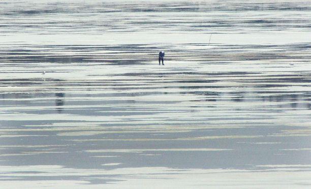 Jäätilanne heikentyy nyt vauhdilla ympäri Suomea. Kuvituskuva.
