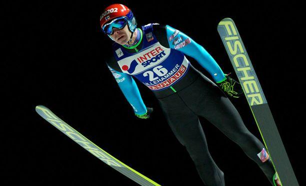 Janne Ahonen ei onnistunut Titisee-Neustadtissa.