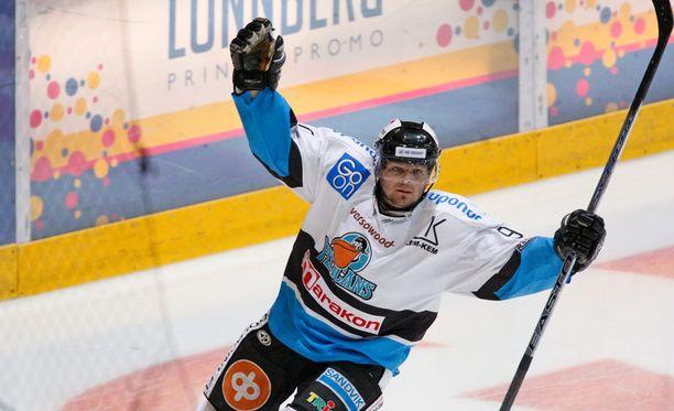 Marko Jantunen on tekemässä paluuta kaukaloon II divisioonassa.