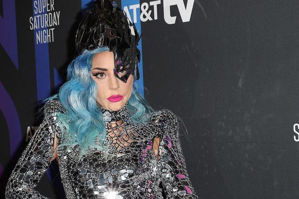 Lady Gaga sai neljä palkintoa maanantaiyönä Suomen aikaa järjestetyssä MTV Video Music Awards -gaalassa.
