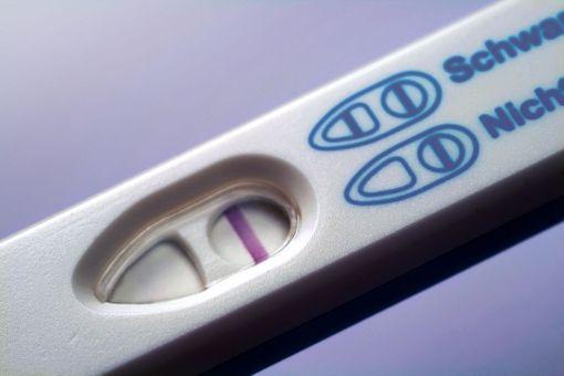 Tarinoiden perusteella abortti kaduttaa niitä naisia, jotka haluaisivat äidiksi, mutta jotka eivät ole abortin jälkeen syystä tai toisesta tulleet raskaaksi.