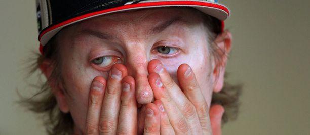 Aika-ajosuorituksissa Kimi Räikkönen on häviöllä Romain Grosjeanille 1-0.