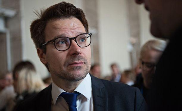 Ville Niinistö syytti Sensuroimaton Päivärinta -ohjelmassa kokoomuslaisten hyökänneen hänen kimppuunsa henkilönä. Kokoomuksen puoluesihteeri teilasi väitteet tuoreeltaan.