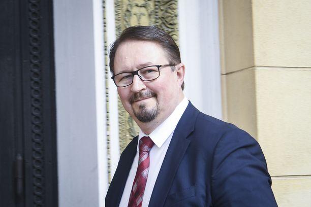 THL:n johtaja Mika Salminen pitää ruotsalaisturisteja isompana riskinä kuin muita.