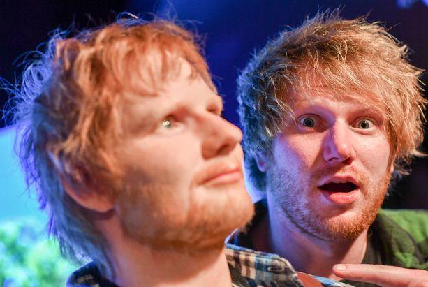 Ed Sheeran tienasi enemmän kuin kahden edestä. Brittiartisti ylsi eniten ansainneeksi sooloartistiksi. Suosikki on taltioitu myös vahanukeksi.