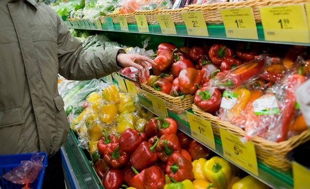 Jos lakko pitkittyisi, ensimmäisenä laivakuljetusten loppuminen näkyisi tuoretuotteissa kuten hedelmissä ja vihanneksissa.