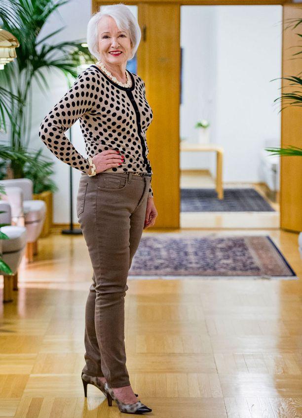 Upeampi kuin koskaan. Hoikistuttuaan Lissa Hyssälä alkoi käyttää farkkuja ja tiukkoja jakkuja.