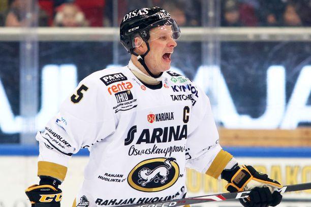 Lasse Kukkonen toimi Kärppien kapteenina usealla kaudella.