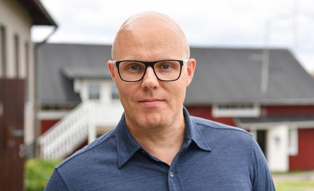Aki Linnanahde lupasi hankkia Kärppien tatuoinnin, jos oululaisseura voittaa SM-kultaa tänä keväänä.