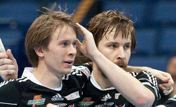 Juho Järvinen (oik.) latoi finaalissa tehot 3+2.