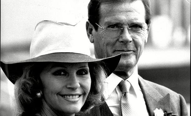 Luisa Mattioli oli Bond-näyttelijän kolmas vaimo.