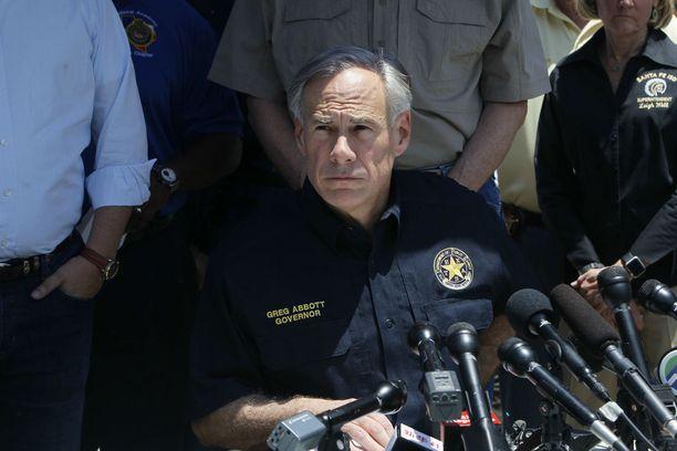 Texasin kuvernööri Greg Abbott sanoi medialle, ettei ampujalla ollut lopulta rohkeutta viedä suunnitelmaansa loppuun saakka.