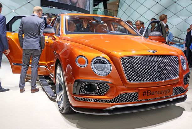 Kaikkien ökymaastureiden äiti Bentley Bentayga: veroa leikkaantuu leasingin ansiosta kolmen vuoden käytön aikana yli 135 000 euroa.