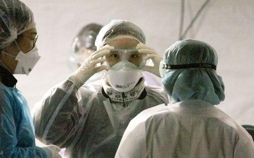 """Koronavirukseen sairastunut brittimies kertoo: """"Tärinää, silmien särkyä ja hengitysvaikeuksia - pahin tauti, joka minulla on ikinä ollut"""""""