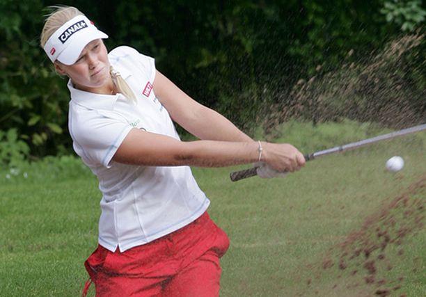 Minea Blomqvist nakutti kahdeksan alle parin neljällä kilpailukierroksella.