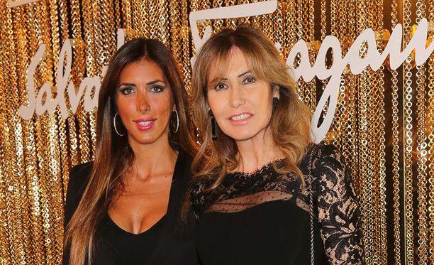Giacinta ja Maria Ruspoli asuvat yhä palatsissaan, jonka tärkeimmät huoneet on muutettu hotelliksi. Italialaisprinsessat majailevat entisissä palvelijoiden asunnoissa.