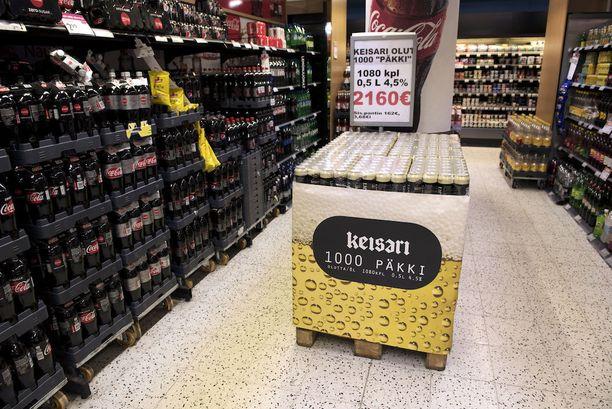 Totta se on. Nyt Suomesta voi oikeasti ostaa 1000 oluen pakkauksen kerralla.